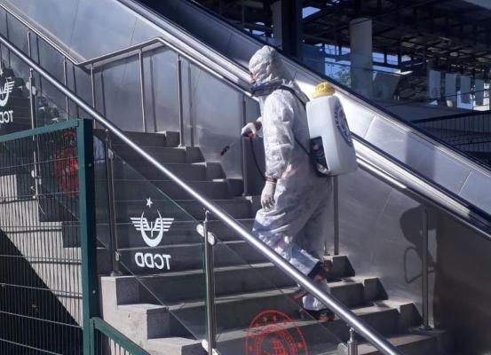 Kartal'da marmaray ve metro istasyonları dezenfekte ediliyor