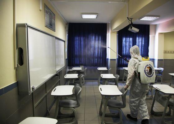 Kartal'da Okullar, LGS Sınavı Öncesi Köşe Bucak Dezenfekte Edildi