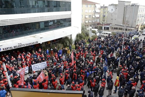 Kartal Belediye işçileri toplu sözleşmenin masada bitirilmesini istedi