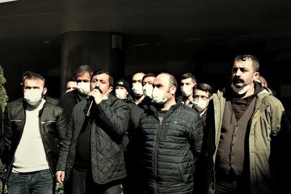 """Ahmet Arikan """"Biz buradayız, hala işçinin içindeyiz"""""""