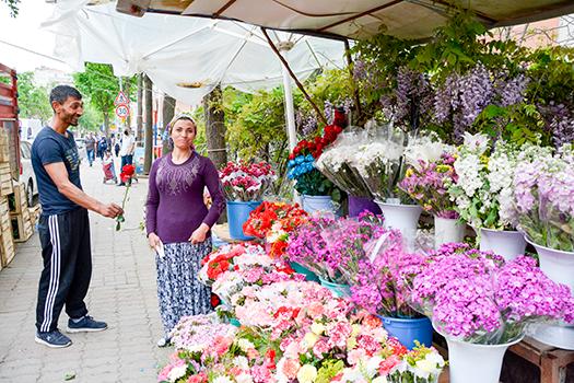 Çiçekçi Şenay ve Uygun