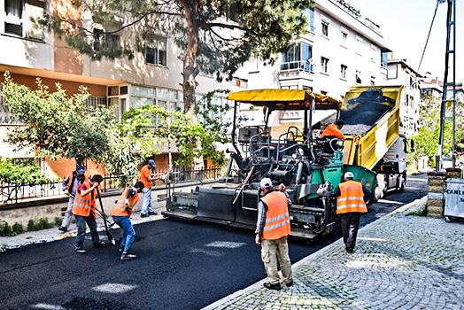 Maltepe'de yılda 44 bin ton asfalt