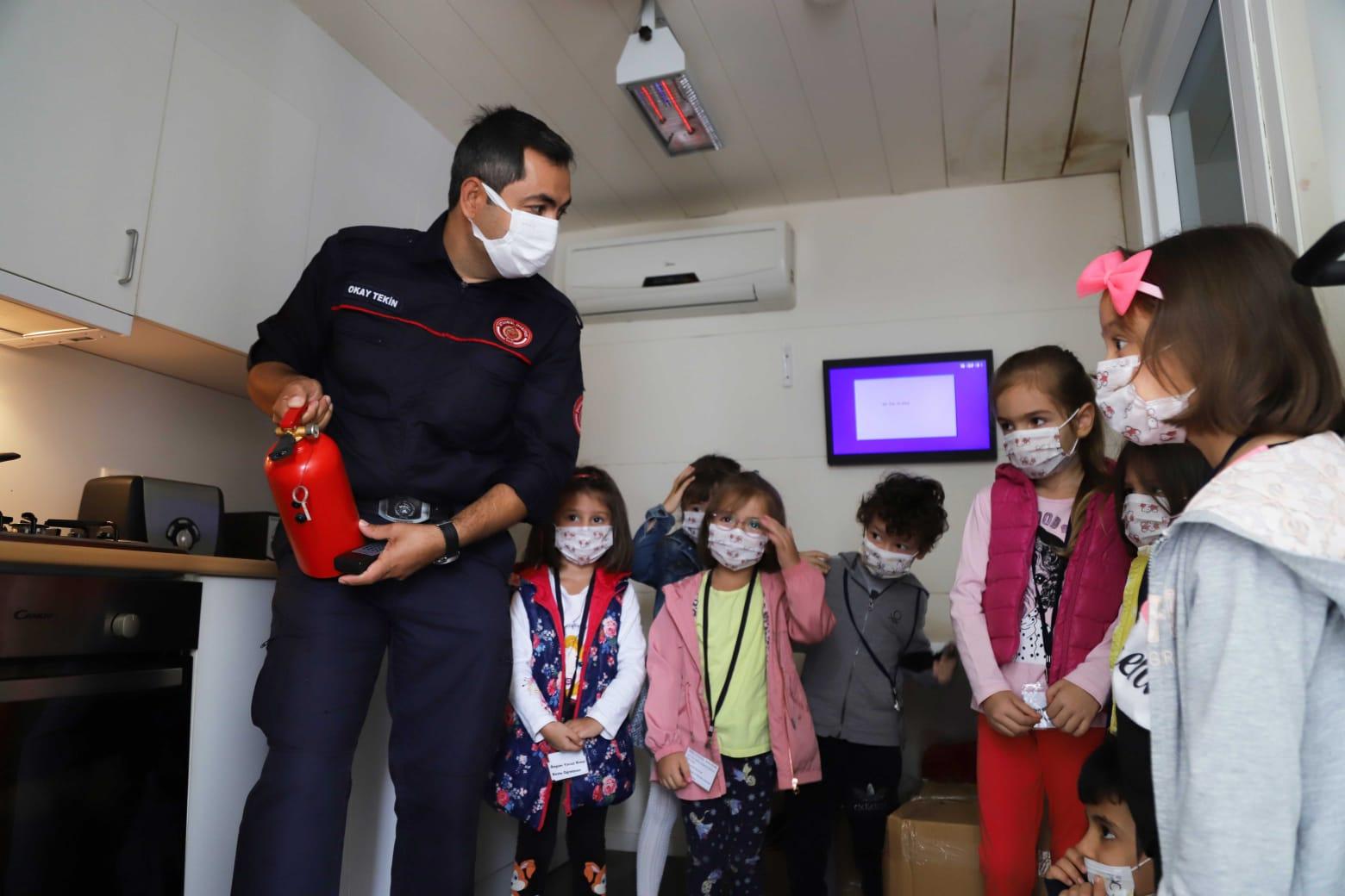 Kartallı minik öğrencilere yangın eğitimi